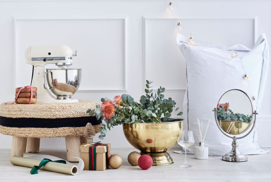 HOLIDAY LOOKS FOR YOUR HOME
