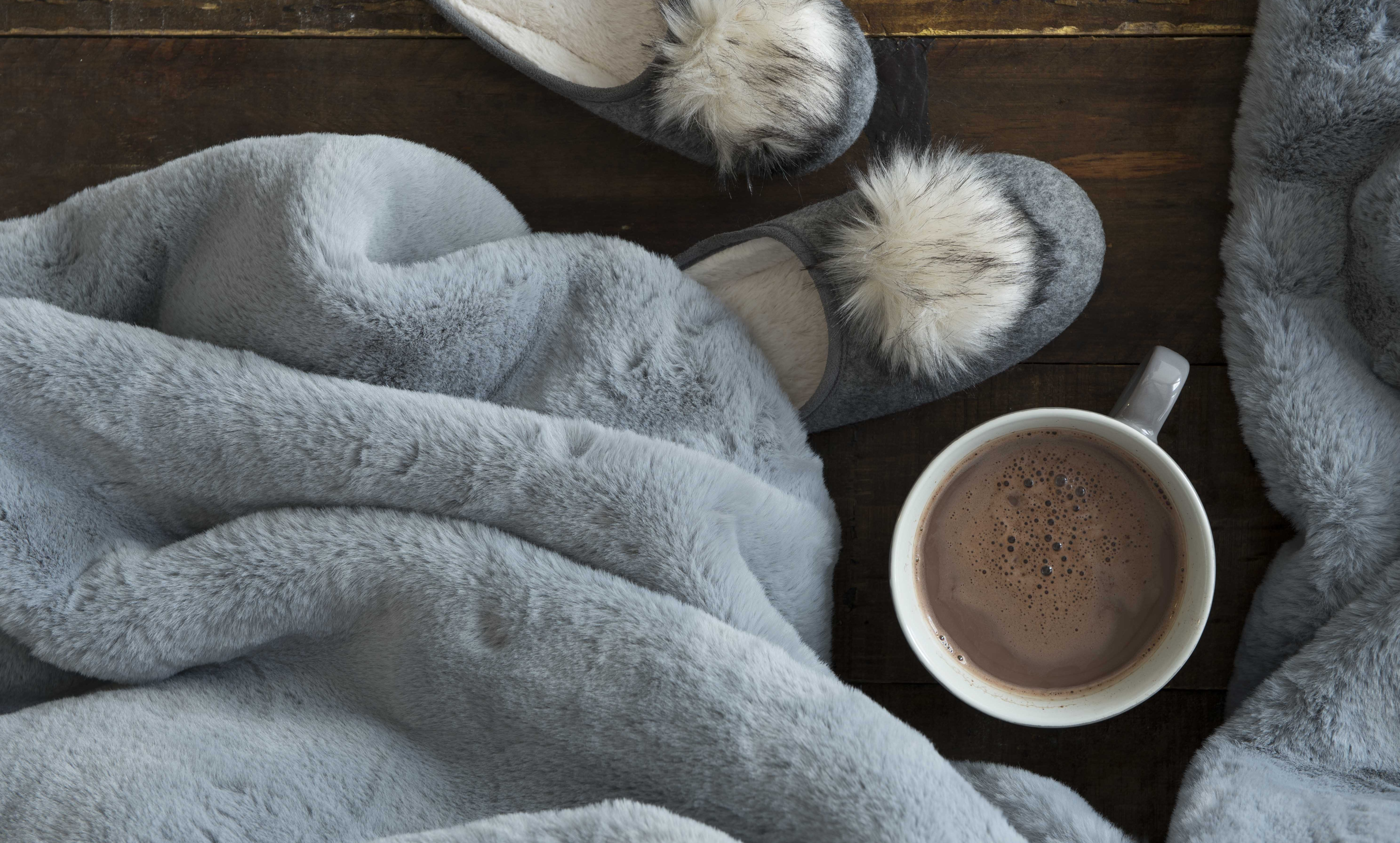 5 ABSOLUTES FOR A COSY WINTER NOOK