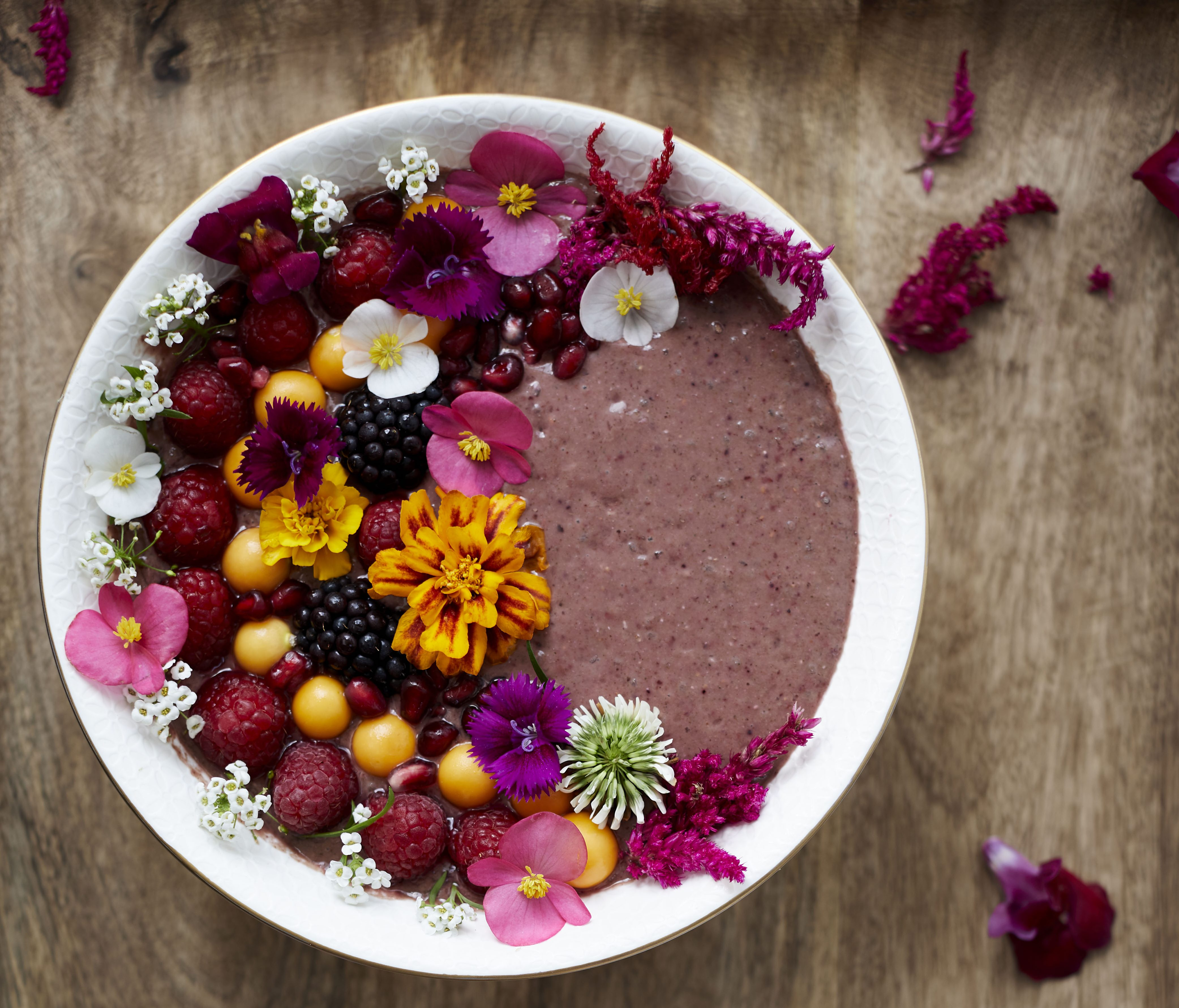 BERRY BEETROOT SMOOTHIE