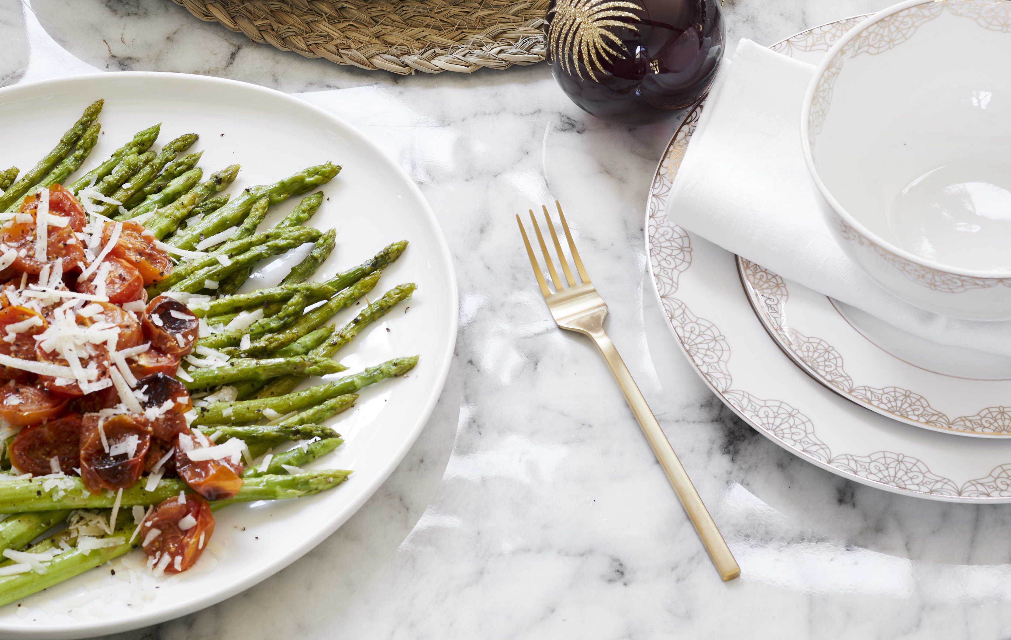 BALSAMIC PARMESAN ROASTED ASPARAGUS & TOMATOES