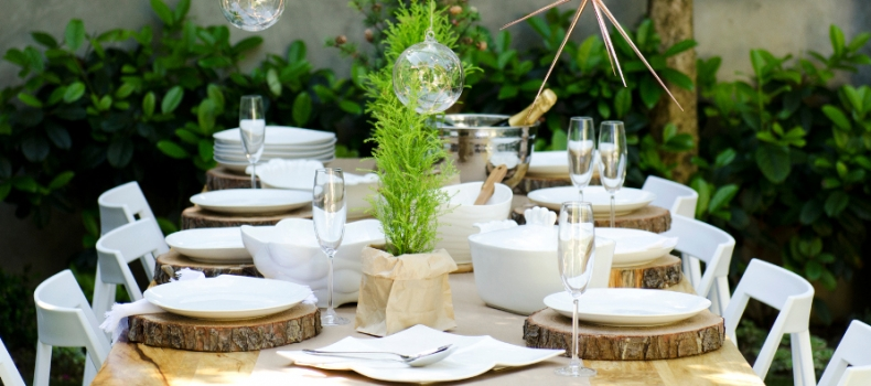 HOW TO SET THE PERFECT FESTIVE TABLE