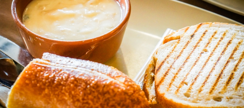 ROASTED CAULIFLOWER SOUP WITH BRIE