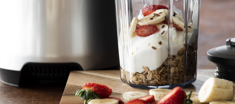 5 EXTRA-ORDINARY ADDITIONS TO YOUR MORNING SMOOTHIE