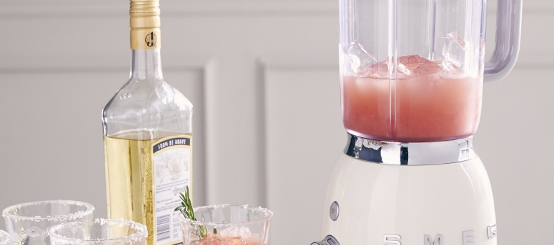 CITRUS FRESH COCKTAIL: THE TEQUILA GREYHOUND WITH A TWIST OF ROSEMARY
