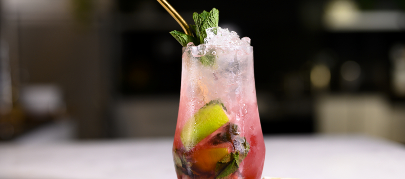 STRAWBERRY & GINGER MOJITO